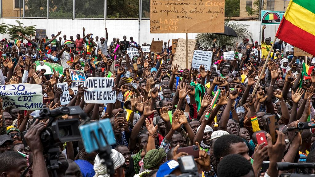 Malians supporting the recent overthrow of President