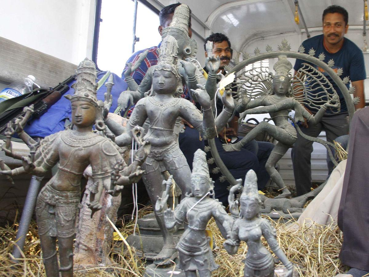 புதுச்சேரி: கோடிக்கணக்கில் ஏலம்; பதுக்கப்பட்ட கோயில் சிலைகள்! சிலைக் கடத்தல் தடுப்புப் பிரிவு அதிரடி
