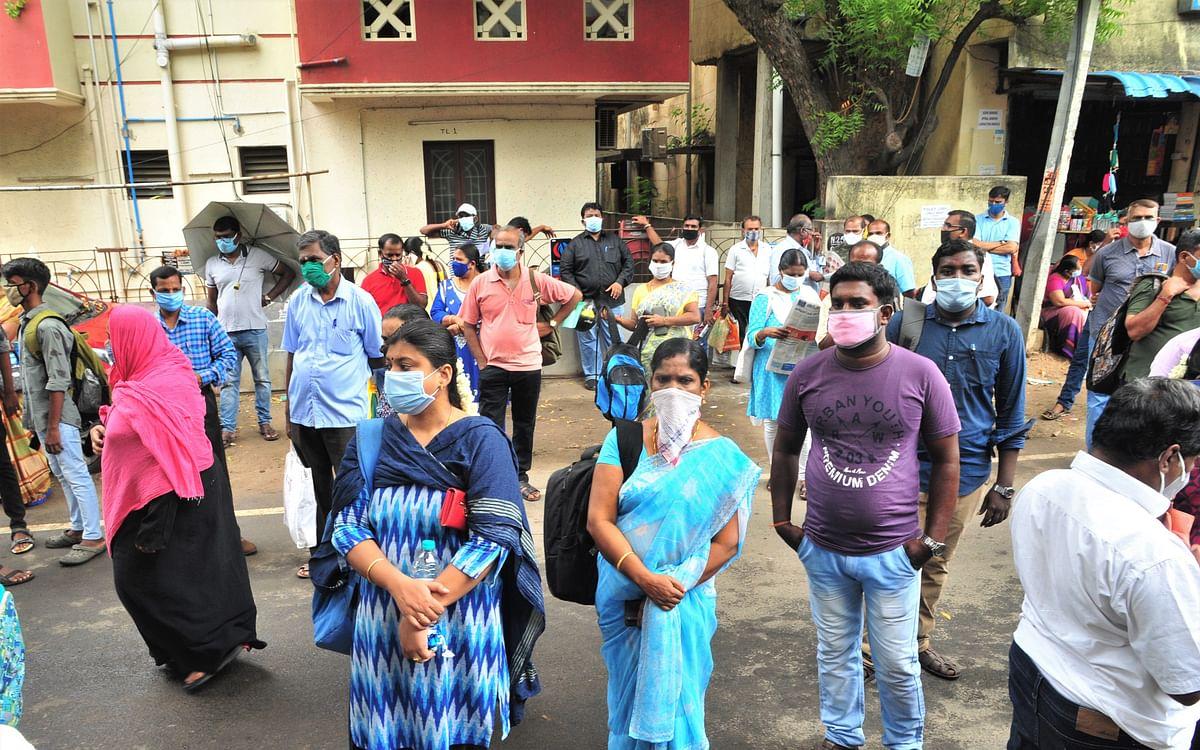 பயம், பதற்றம், பெருமூச்சு... சென்னை நீட் தேர்வு மையம் இன்று  எப்படி இருந்தது தெரியுமா? #SpotVisit