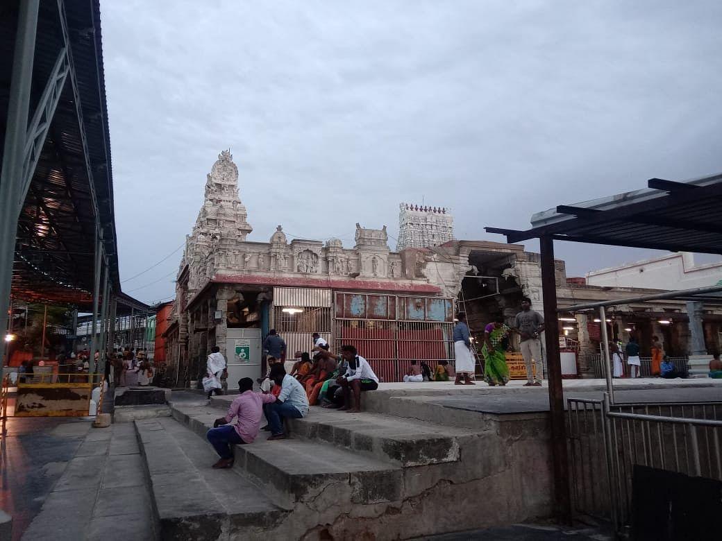 கோயில் வளாகம்