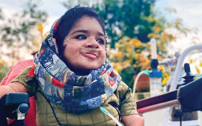 ஐ.ஏ.எஸ் கனவு... ஆக்ஸிஜன் சிலிண்டருடன் நடமாடும் லத்தீஷா