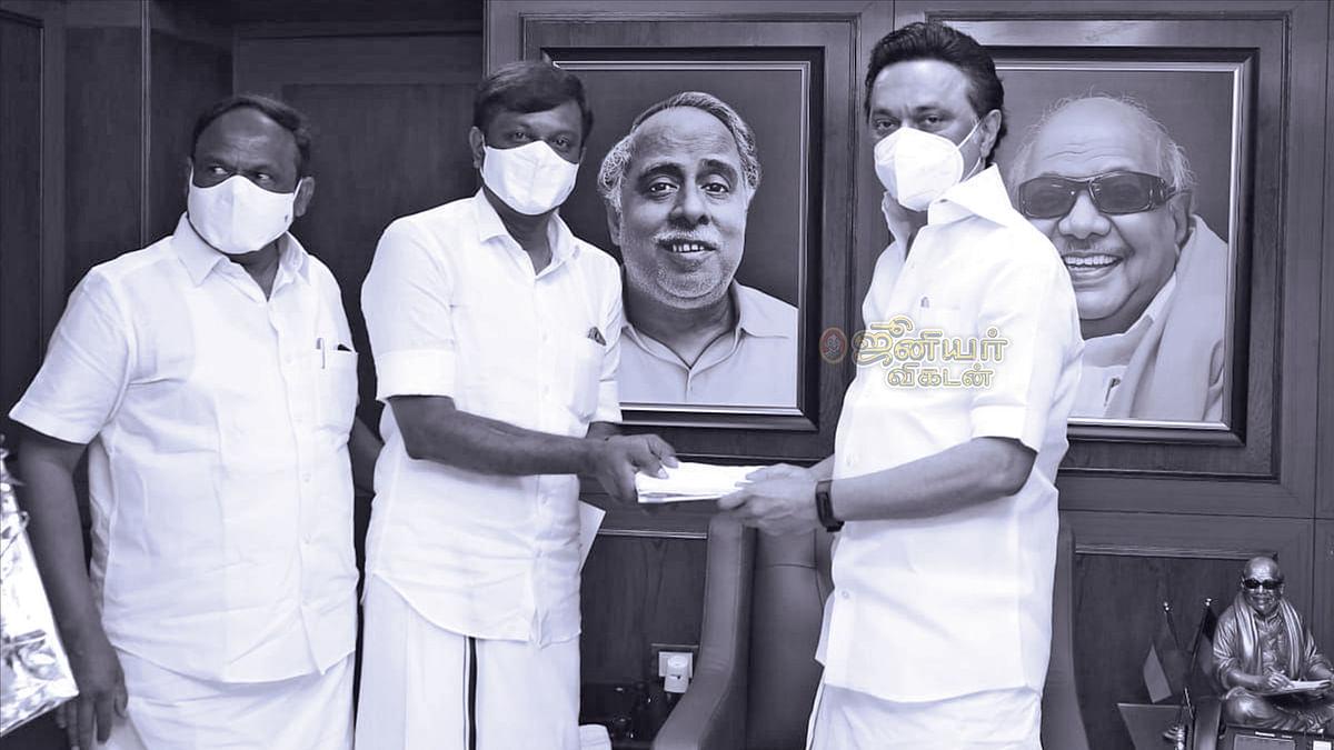 தி.மு.க-வில் இணைந்த கே.கே.செல்வன்