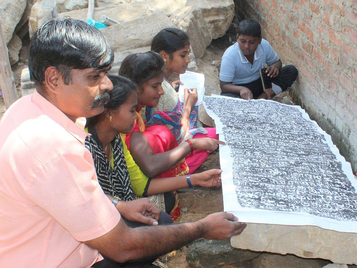 800 ஆண்டுகள் முந்தையது... அழகிய தமிழ்ப் பெயர்களுடன் பத்திரப்பதிவு கல்வெட்டுகள்!