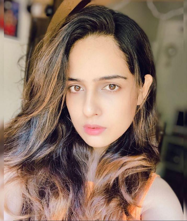 நடிகை மால்வி மல்ஹோத்ரா