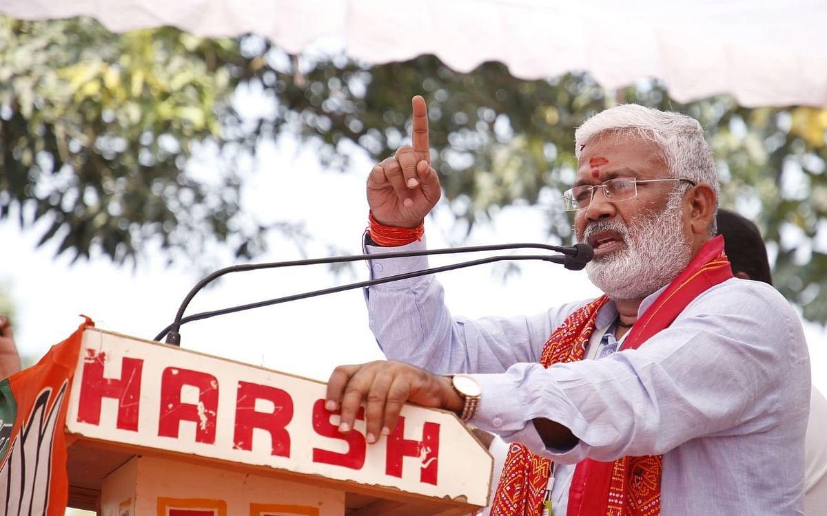 உ.பி பா.ஜ.க தலைவர் ஸ்வதந்திர தேவ் சிங்