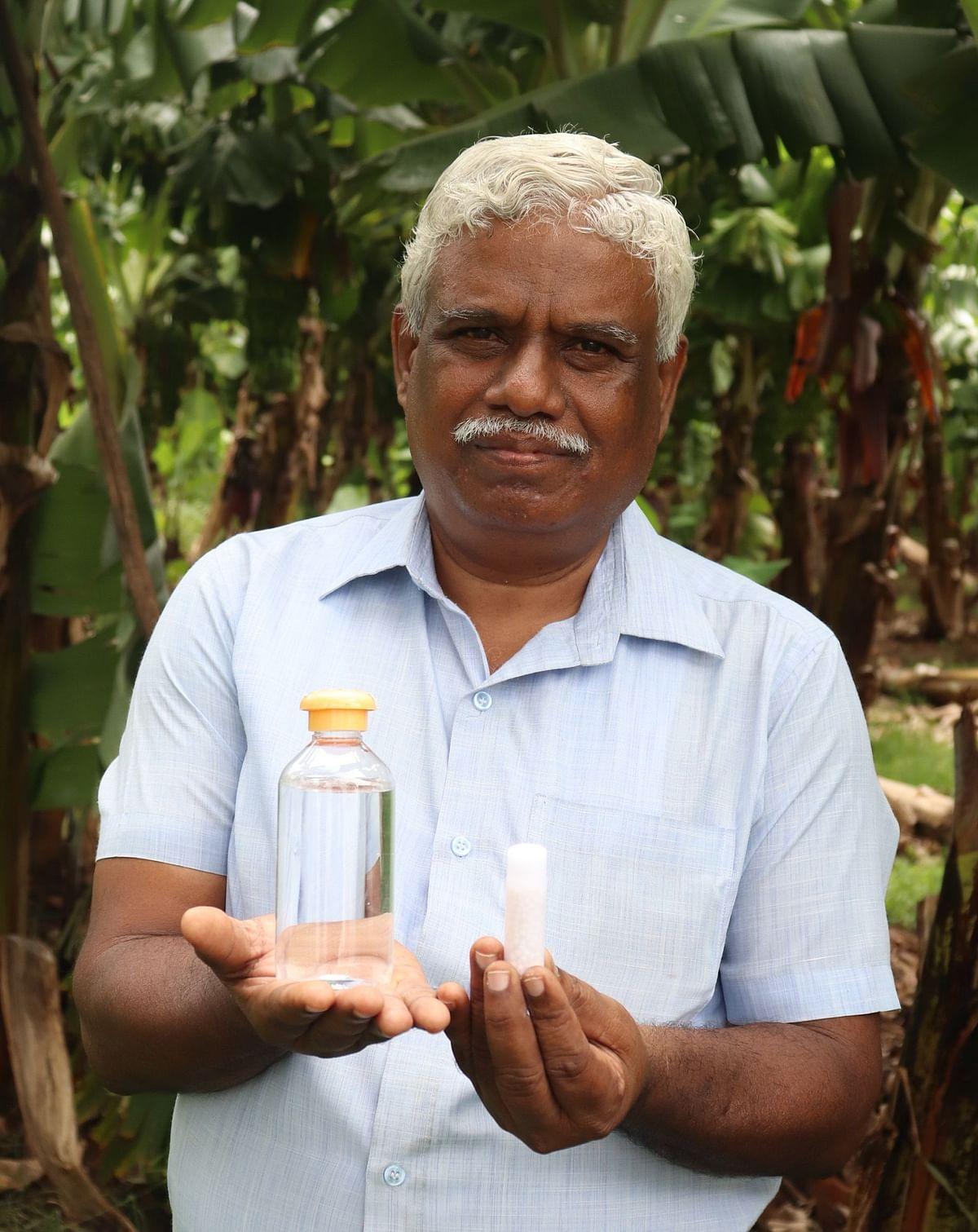 அக்ரோ ஹோமியோபதி மருந்துடன் மருத்துவர் ராமர்.