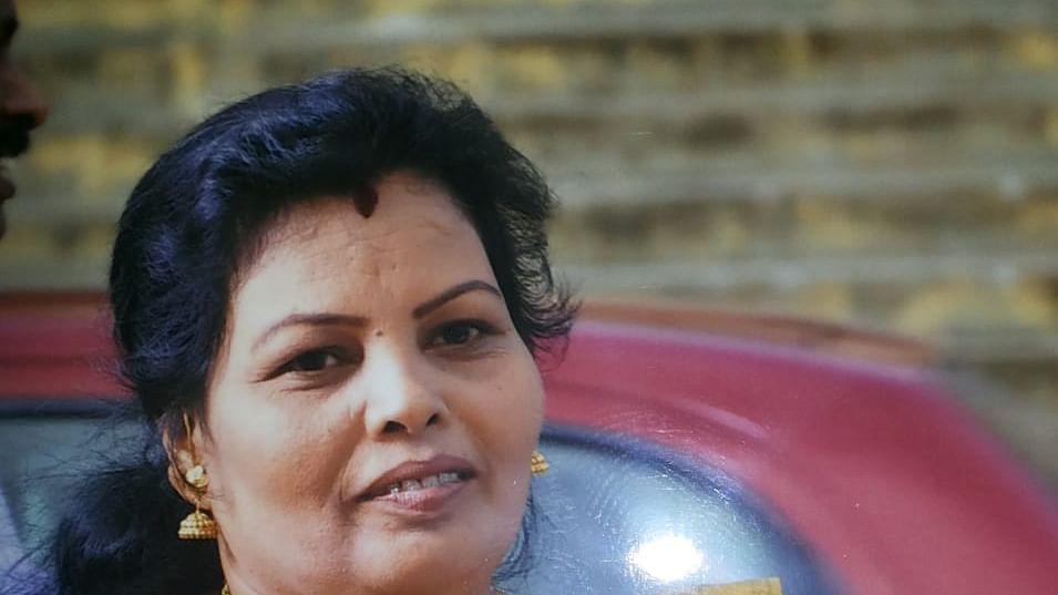 அ.தி.மு.க பேரூர் செயலாளர் லதா சந்திரன்