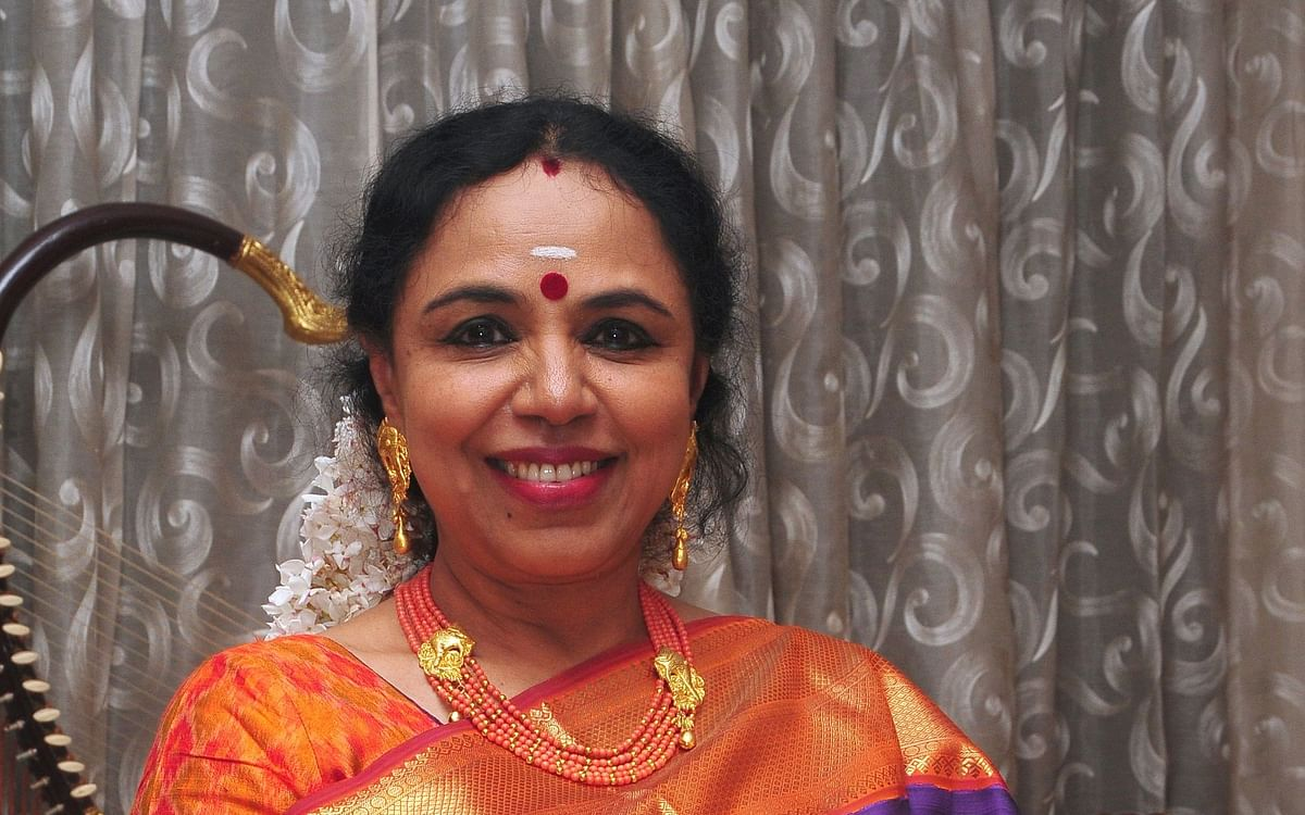 """``கமலா ஹாரிஸைப் பாராட்டுகிறார்கள்... என் மகள் திருமணத்தை ஏன் எதிர்த்தார்கள்?"""" - சுதா ரகுநாதன்"""
