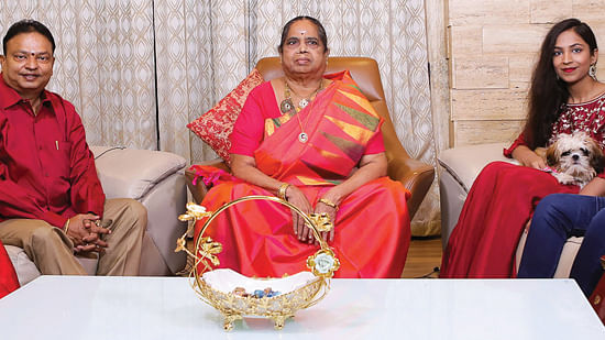 குடும்பத்துடன் ஐசரி கணேஷ்