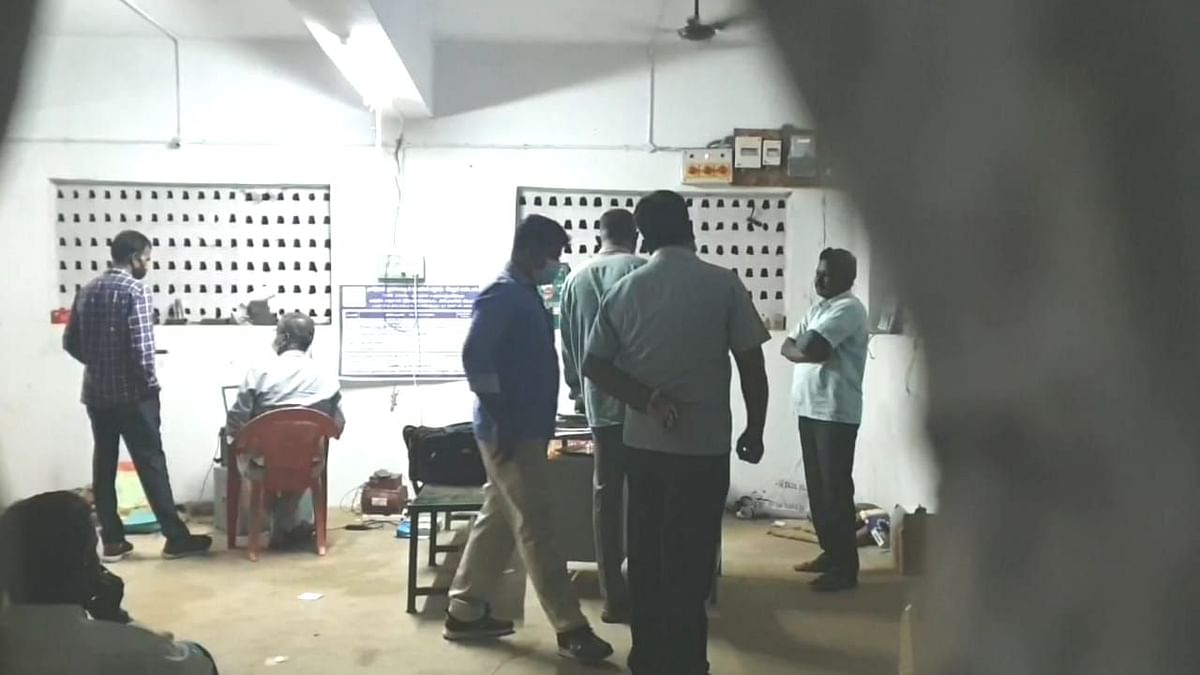 விசாரணை நடத்திய லஞ்ச ஒழிப்புத்துறையினர்