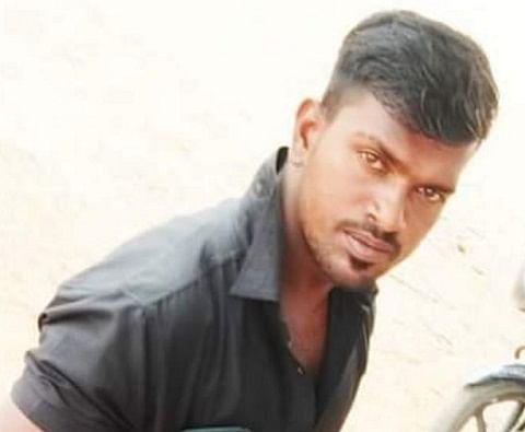 மனோ சேட்