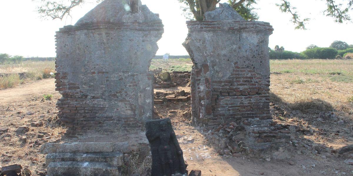 சிதிலமடைந்து கிடக்கும் கோவிந்தன் கோயில்
