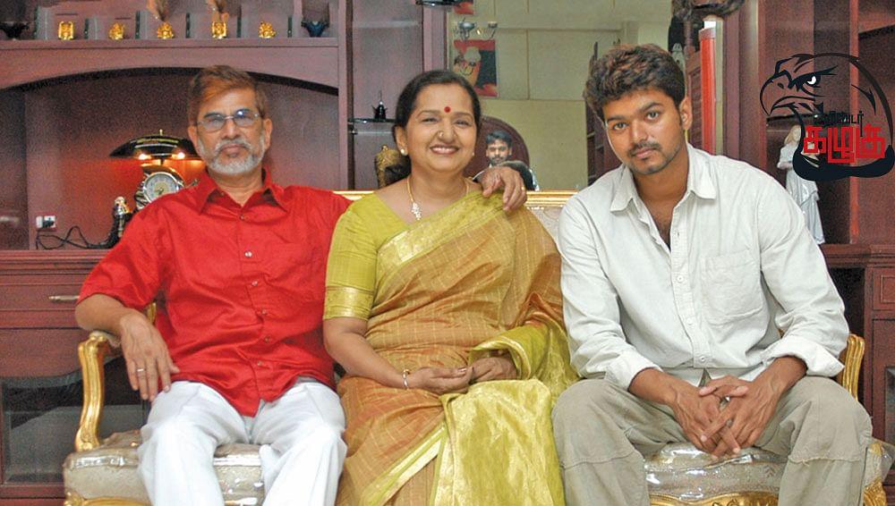 எஸ்.ஏ.சந்திரசேகர்,  ஷோபா, விஜய்