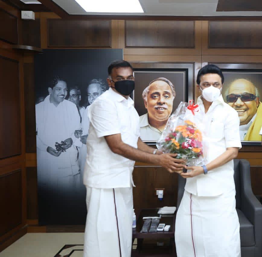 ஸ்டாலினுடன் சேனாபதி