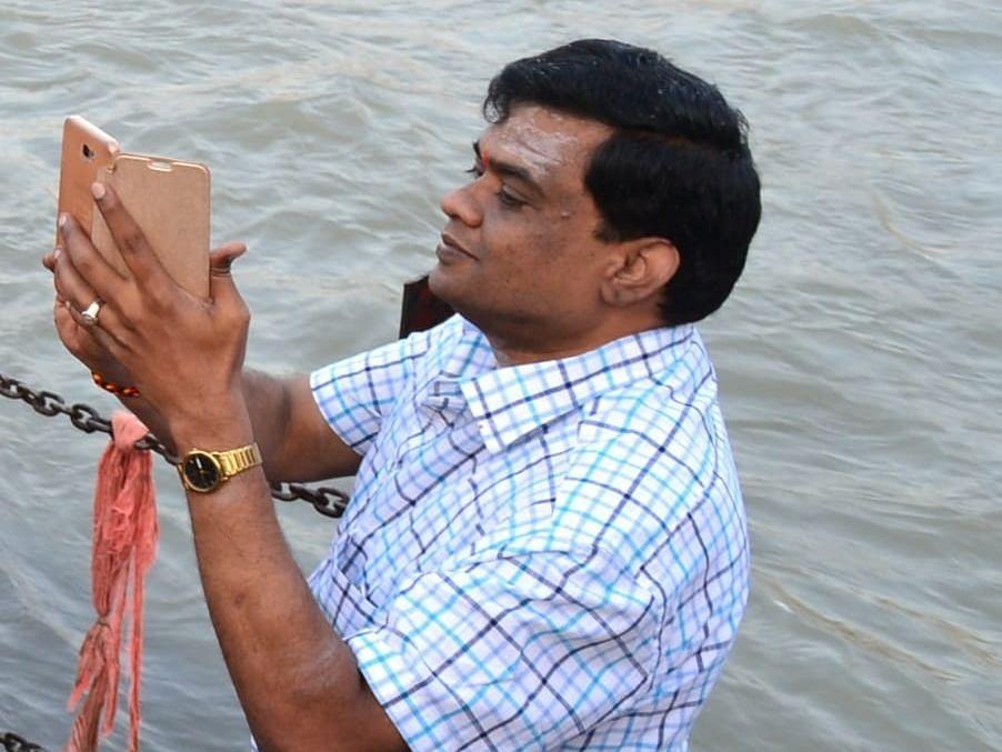 சேலம்: `ரூ.3.2 லட்சம், 34 தங்கக் காசுகள்!' - ரெய்டில் சிக்கிய பத்திரப்பதிவு டி.ஐ.ஜி ஆனந்த்