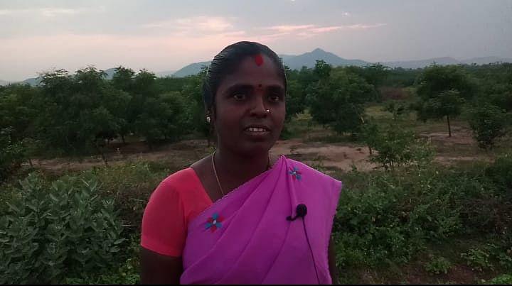 நீலா வேல்முருகன்