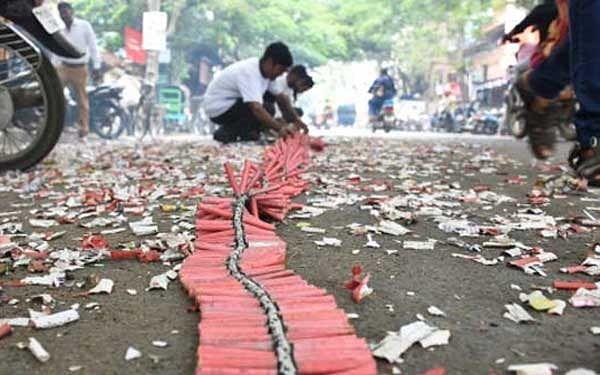 சிவகாசி: `ராஜாஸ்தான், ஒடிசாவில் பட்டாசு வெடிக்கத் தடை!' - ரூ.150 கோடி விற்பனை பாதிக்கும் அபாயம்