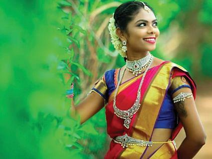 நாலு ஜோக், ரெண்டு பாட்டு, ரெண்டு கவுன்ட்டர் இருந்தா சமாளிச்சிடலாம்... கல்பாக்கம் காயத்ரி