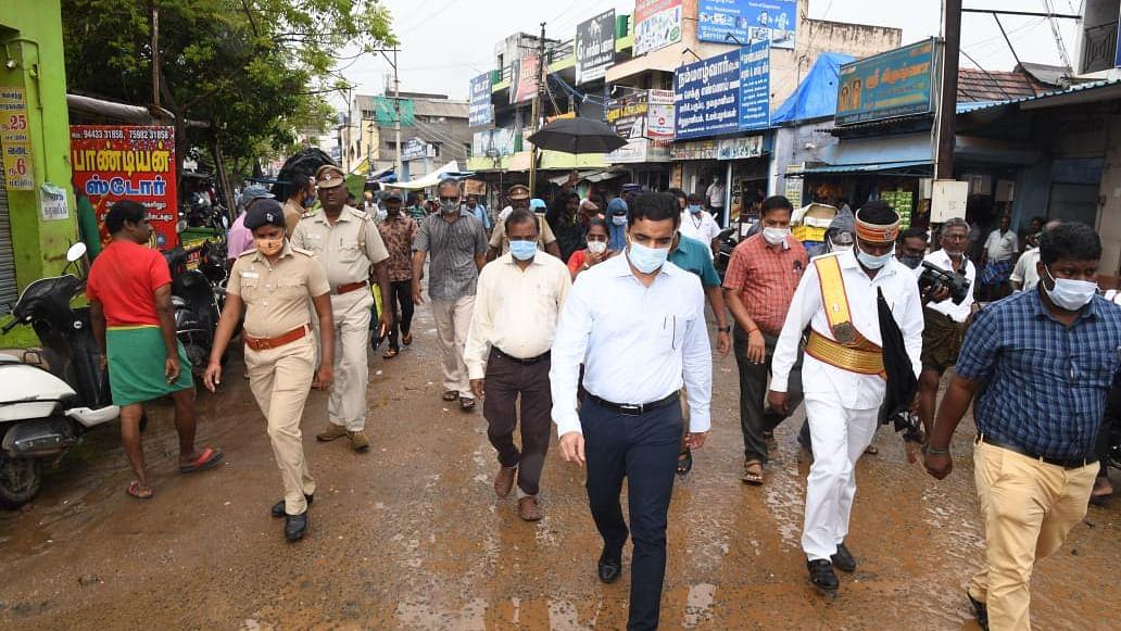 பாதிக்கப்பட்ட பகுதிகளை ஆய்வு செய்த ஆட்சியர் செந்தில்ராஜ்