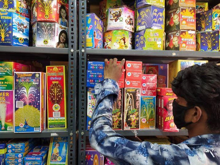 ஈரோடு: பட்டாசுகளால் மட்டும்தான் சுற்றுச்சூழல் மாசுபடுகிறதா? - உரிமையாளர்கள் வேதனை #SpotVisit
