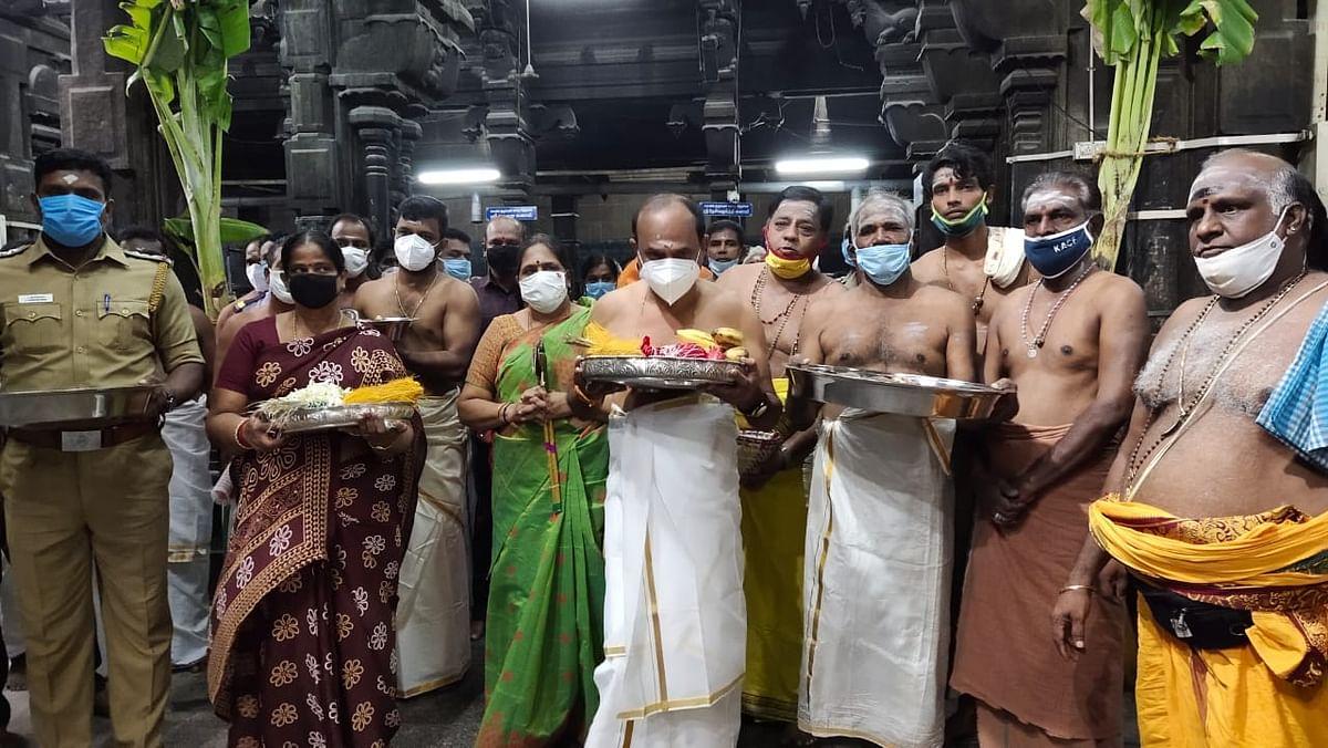 பூஜையில் கலந்து கொண்ட அமைச்சர் கடம்பூர் ராஜூ