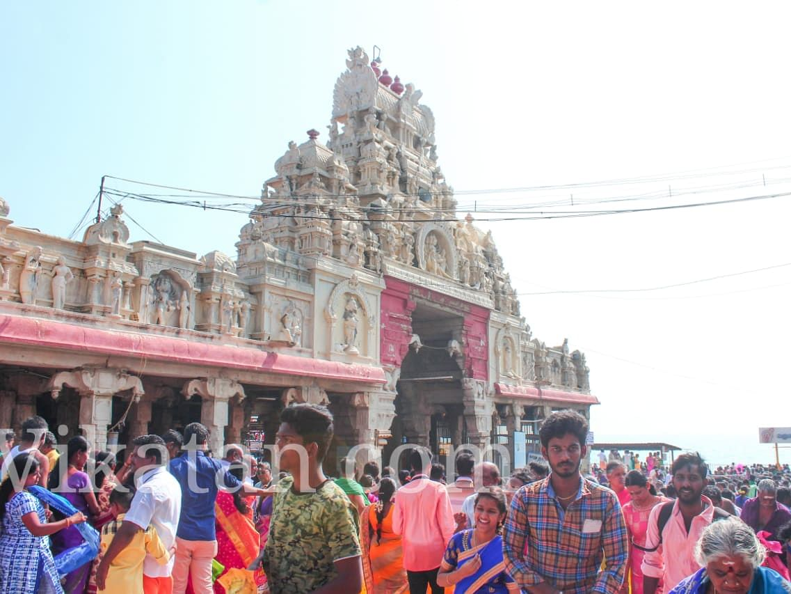 திருச்செந்தூர் சூரசம்ஹாரத்திற்கு பக்தர்களுக்கு அனுமதி இல்லை... ஆனால்?