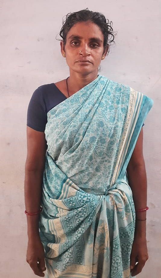 மனைவி அம்பிகா.