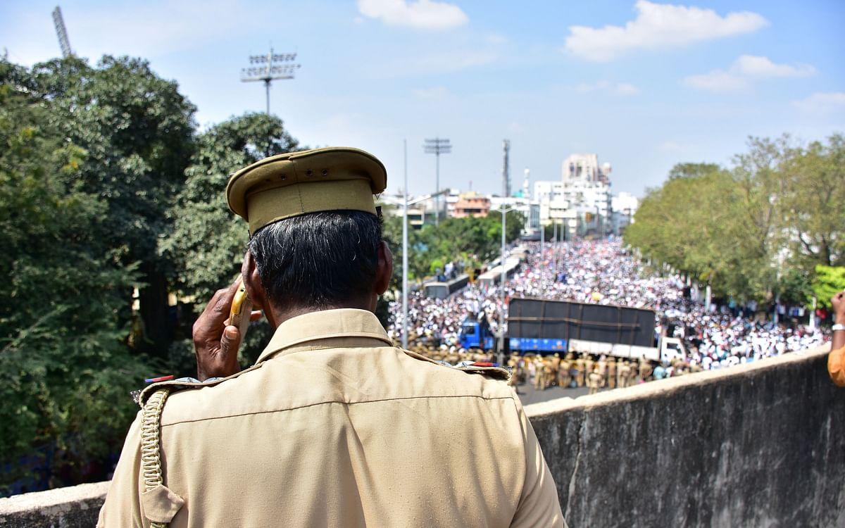 காவல்துறையின் பாலியல் குற்றங்கள் தண்டனைக்கு உட்படாதவையா... 3 சம்பவங்கள் சொல்லும் சேதி! #VoiceOfAval