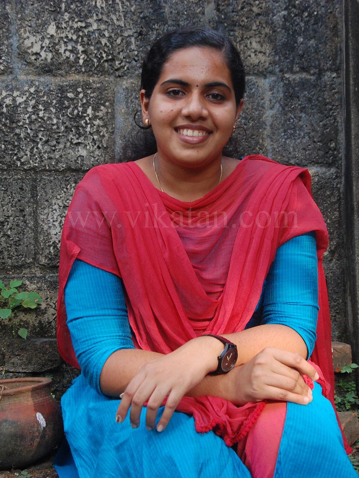கல்லூரி மாணவி ஆர்யா ராஜேந்திரன்