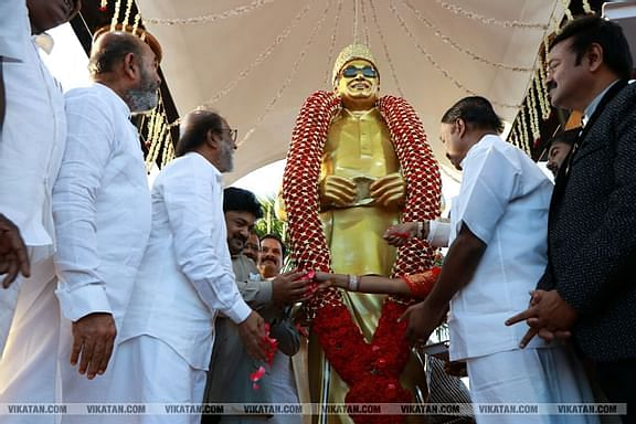 எம்.ஜி.ஆர் சிலையைத் திறந்த ரஜினி