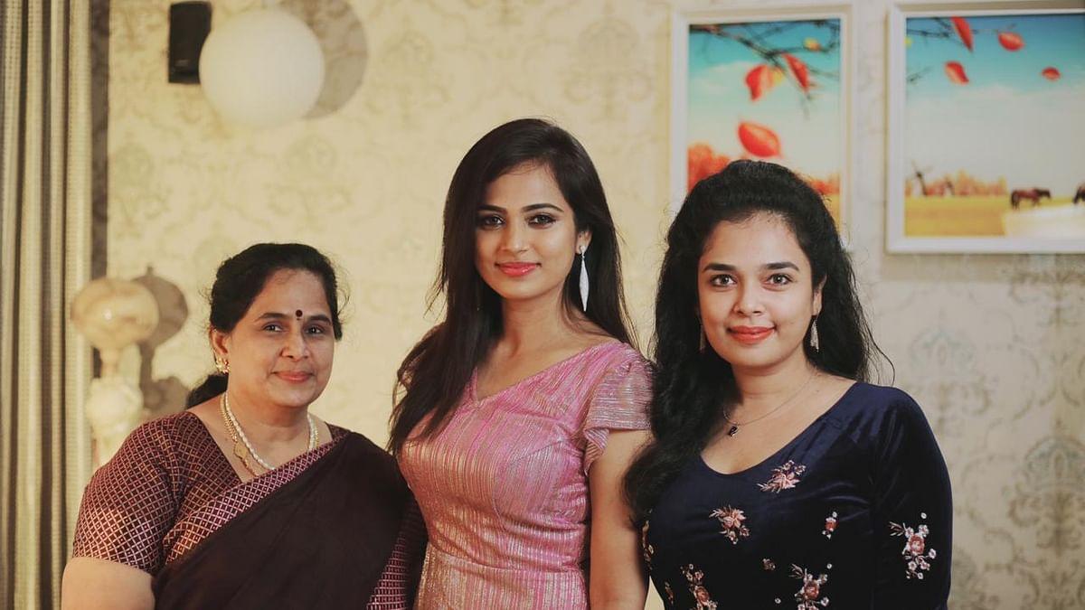குடும்பத்துடன் ரம்யா