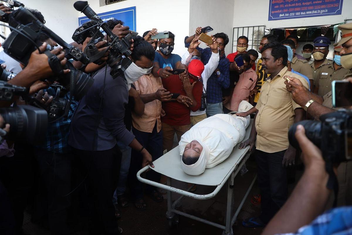 நடிகை சித்ராவின் சடலம்