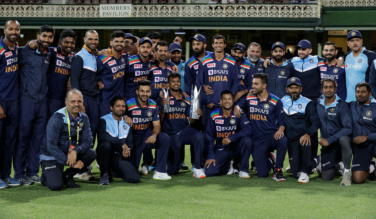 Indian Team with T20 trophy