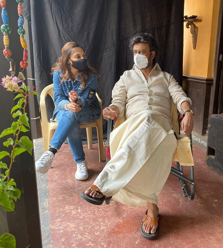 ரஜினி தன் மகள் ஐஸ்வர்யா தனுஷுடன்