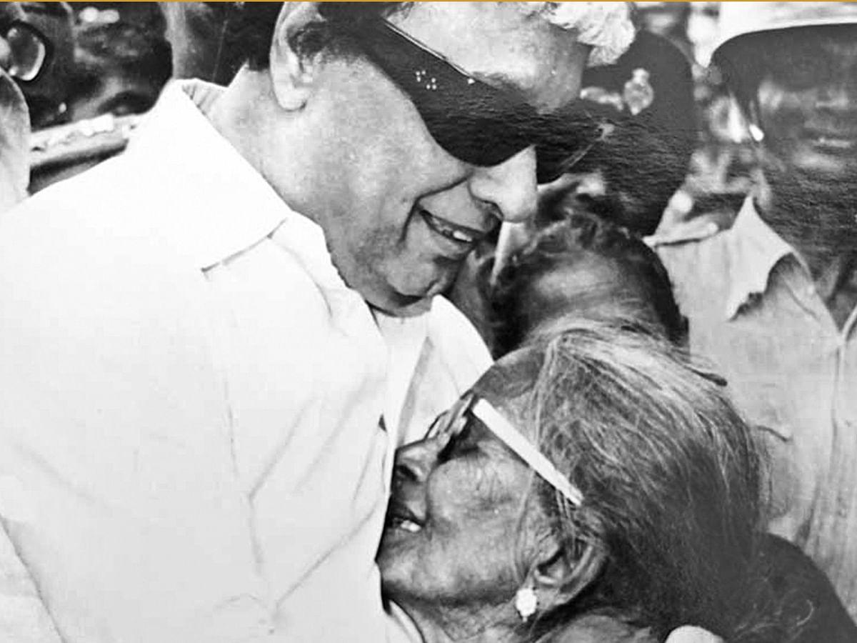 விகடன் பொக்கிஷம்: எம்.ஜி.ஆர். சில நினைவுகள் - சோலை