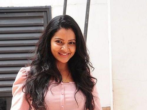சென்னை: நட்சத்திர ஹோட்டலில் பிரபல சின்னத்திரை நடிகை சித்ரா தூக்கிட்டுத் தற்கொலை!