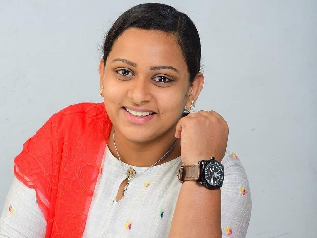 21 வயது பூர்த்தியான அடுத்தநாள் வேட்பு மனுத்தாக்கல்... இப்போது வெற்றி... கவனம் ஈர்த்த கேரள இளம்பெண்!