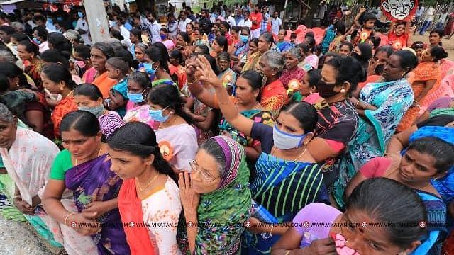 ராமேஸ்வரம் மீனவர்கள் குடும்பத்துடன் ஆர்ப்பாட்டம்