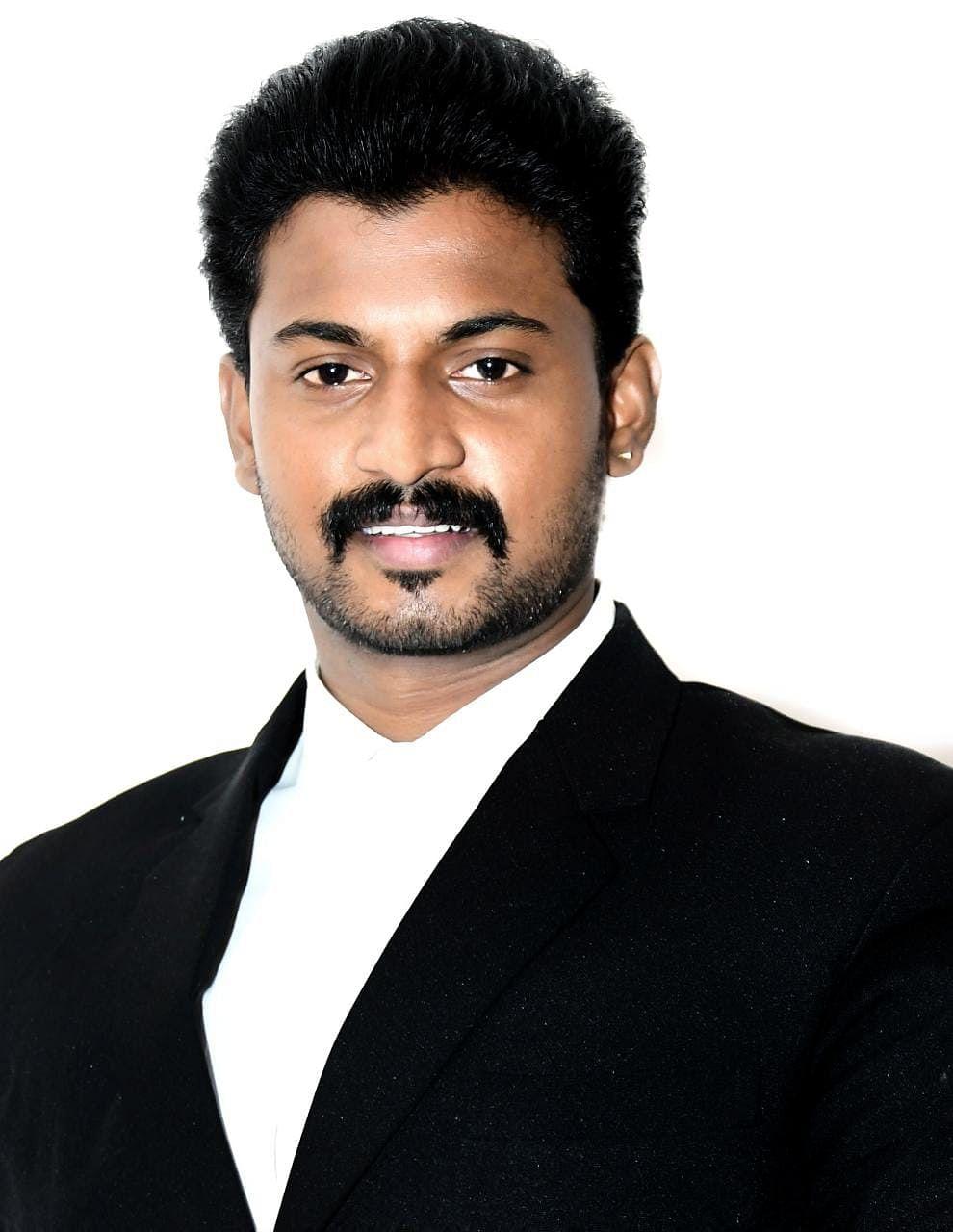வழக்கறிஞர் விஜயகுமார்