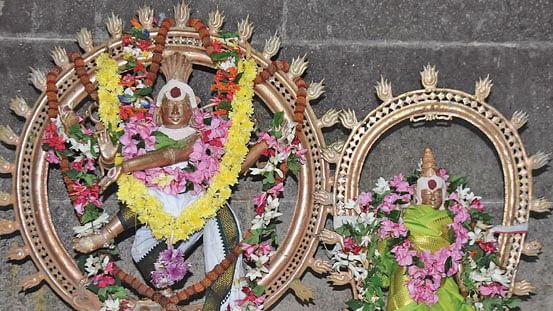 ஸ்ரீசுயம்வர தபஸ்வினி அம்பாள் சமேத ஸ்ரீபார்வதீஸ்வர