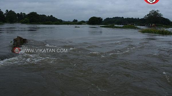 தாமிரபரணி ஆற்றில் ஏற்பட்டுள்ள வெள்ளம்