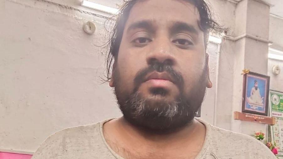 இன்ஜினீயர் சந்தோஷ்குமார்