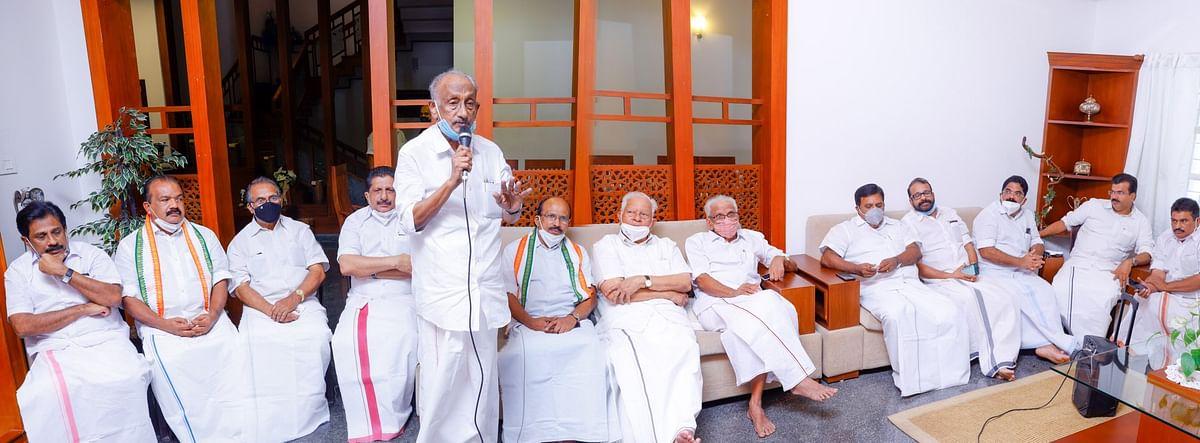 காங்கிரஸ் நிகழ்ச்சியில் பேசும் கே.சி.ஜோசப் எம்.எல்.ஏ