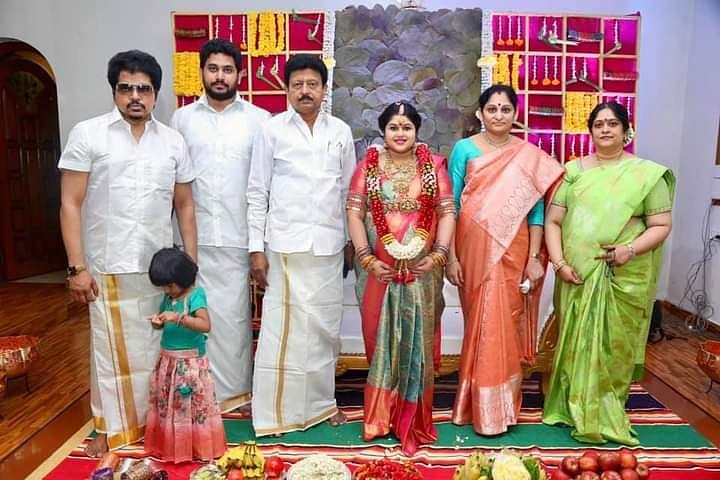 ஜெயானந்த் - ஜெயஸ்ரீ தம்பதியுடன் திவாகரன்