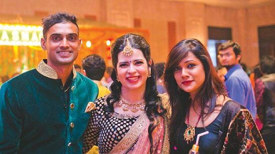 மிதுன், ரேயானுடன் அம்பிகா குப்தா...