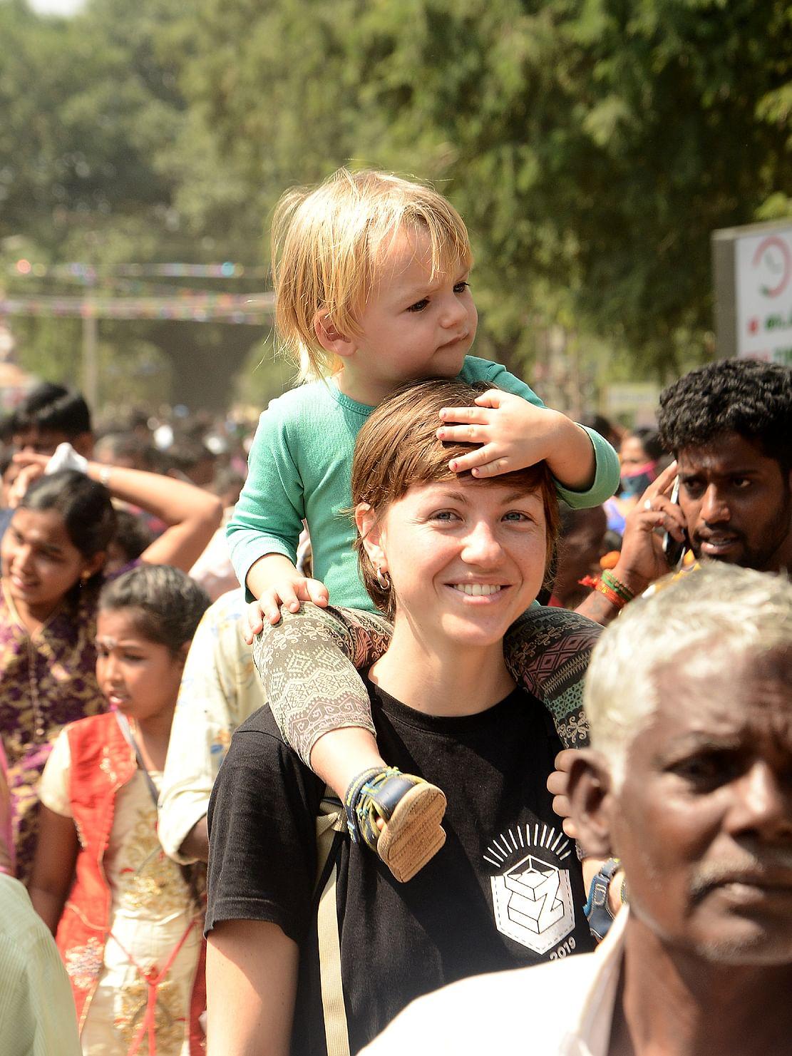 மஞ்சுவிரட்டு - வெளிநாட்டினர்