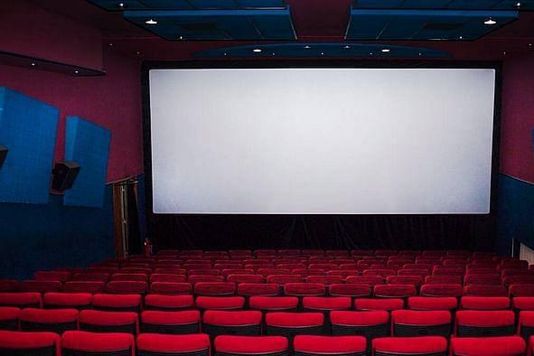 Tamil News Today: நவம்பர் 1-ம் தேதி முதல் திரையரங்குகளில் 100% பார்வையாளர்களுக்கு அனுமதி! - புதிய தளர்வுகள் அறிவிப்பு