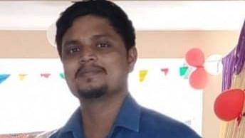 உதவிப் பேராசிரியர் சதீஷ் ரவிகுமார்