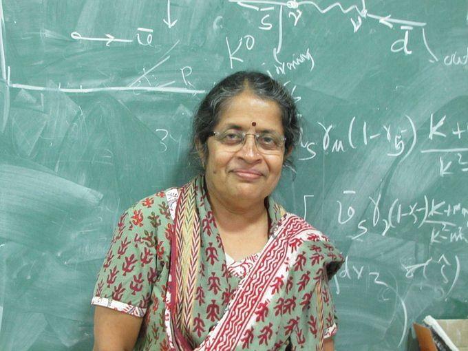 `பெண்களின் உந்துசக்தி!' - பேராசிரியர் ரோகினி கோட்பலேவுக்கு ஃபிரான்ஸ் நாட்டின் உயரிய விருது