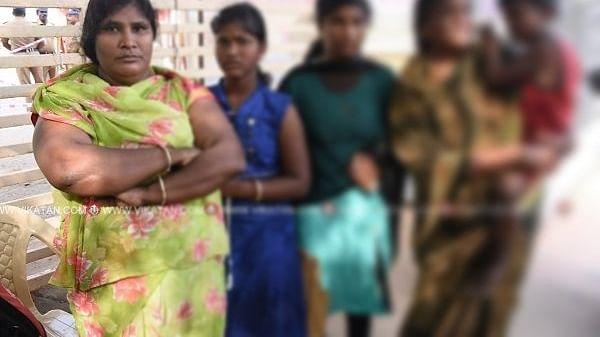 மனு அளிக்க வந்த சுமன் குடும்பத்தினர்